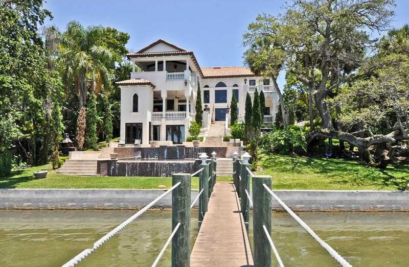 7BR Tuscan Estate in Clearwater, Florida
